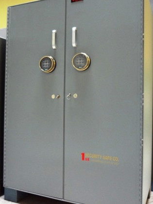 Non TL Rated Burglary Resistant Steel Plate Safes, Used Safes #44 – 1st Security